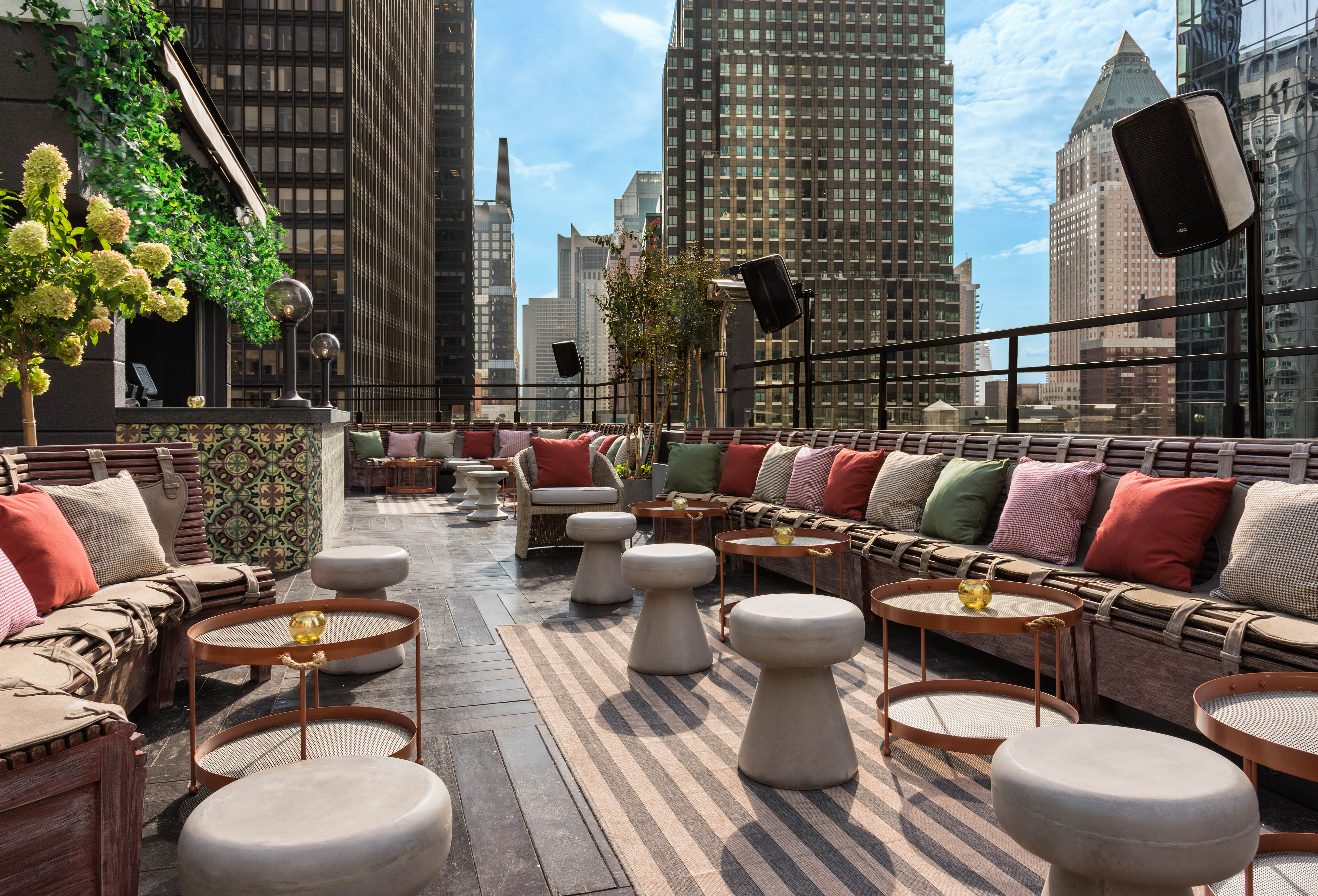 PHD_Terrace_at_Dream_Midtown_5_Courtesy_of_PHD_Terrace_at_Dream_Midtown.jpg