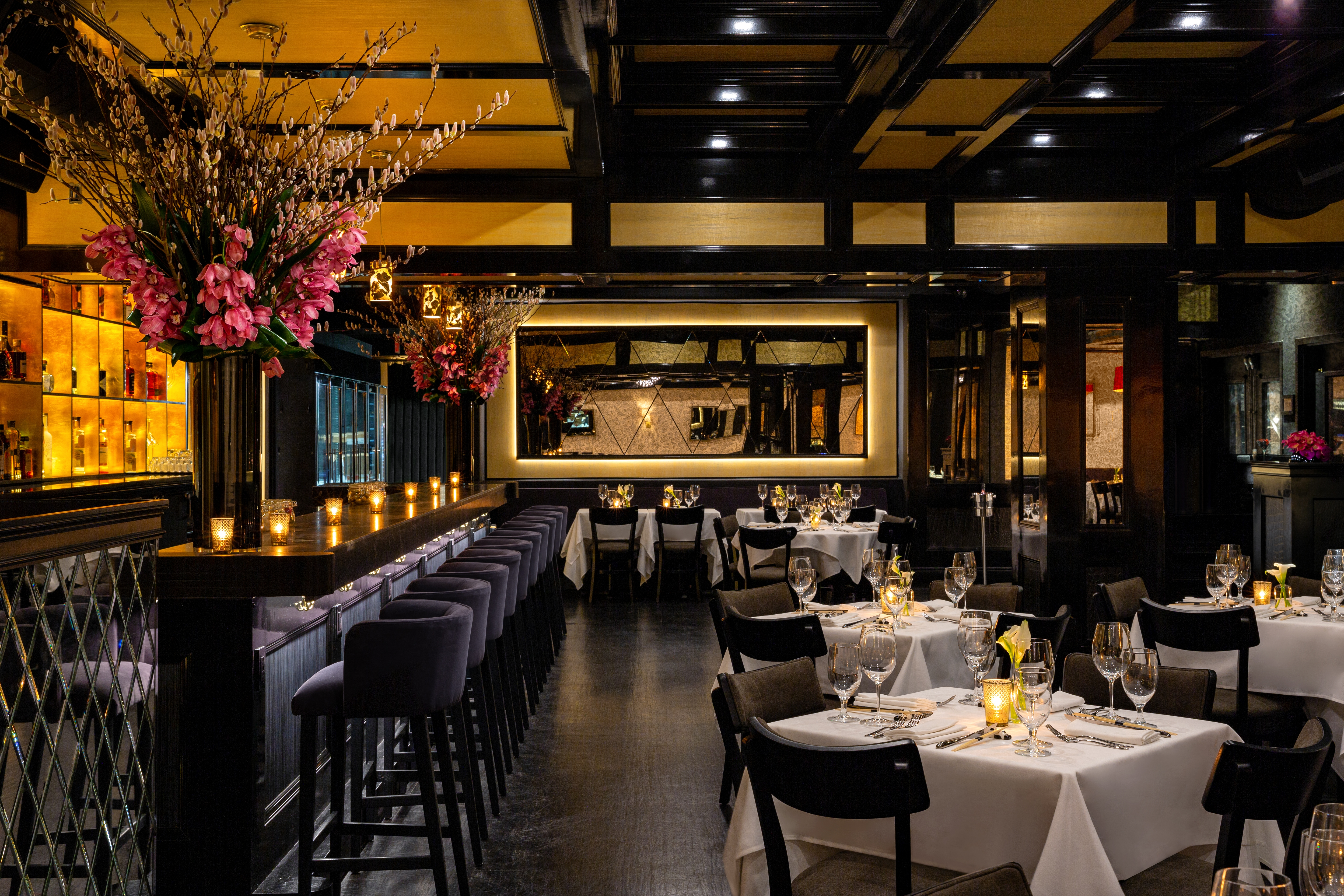 Philippe_Chow_NYC_Downtown_Bar_Dining_Room