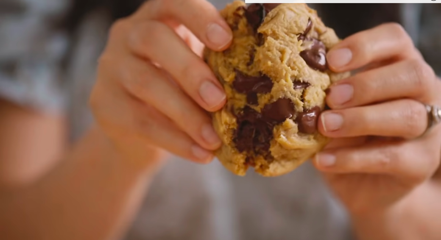 honeysuckle's perfect chocolate chip cookie